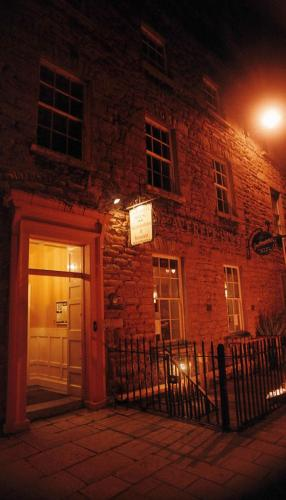 Photo of De Averell Guest House Bed and Breakfast Hotel Accommodation in Armagh Armagh
