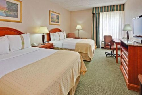 Holiday Inn Utica Photo