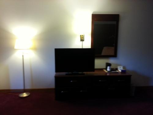 America's Best Value Inn Beardstown Photo