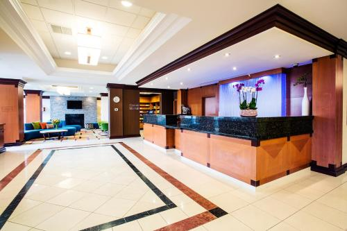 Fairfield Inn & Suites by Marriott Toronto Airport Photo