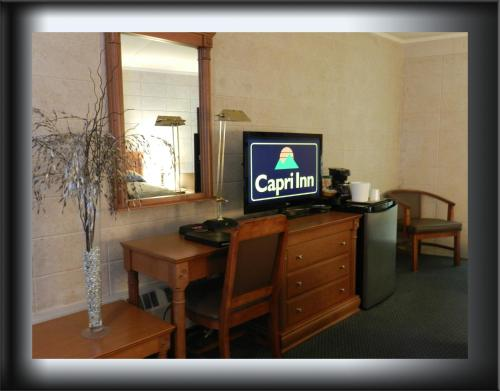 Capri Inn Photo