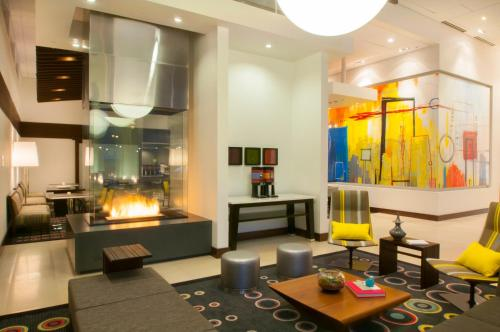 Picture of Hampton Inn & Suites Denver Downtown Convention Center/><p class=