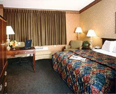 Photo of Chicago O'Hare Garden Hotel Hotel Bed and Breakfast Accommodation in Chicago Illinois