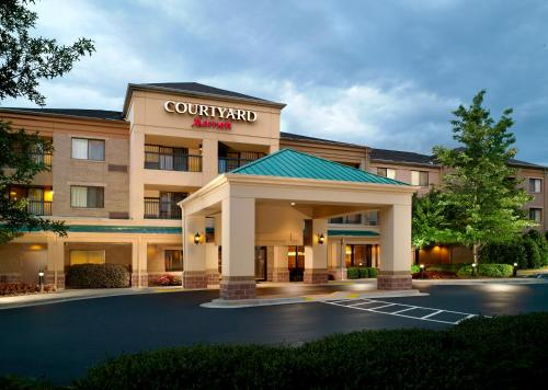 Courtyard by Marriott Alpharetta Atlanta Photo