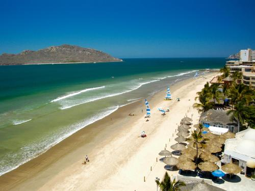 Ramada Resort Mazatlan Photo
