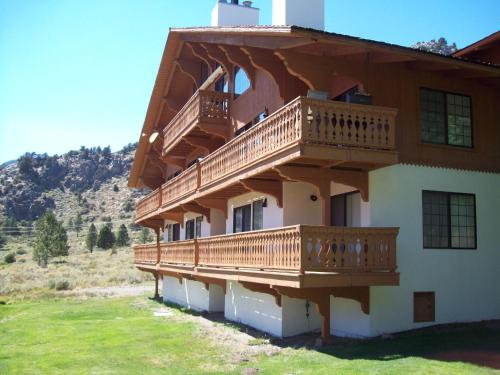June Lake Vacation Reservations
