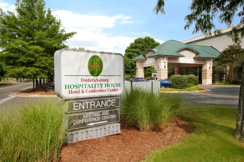 Fredericksburg Hospitality House Hotel Photo