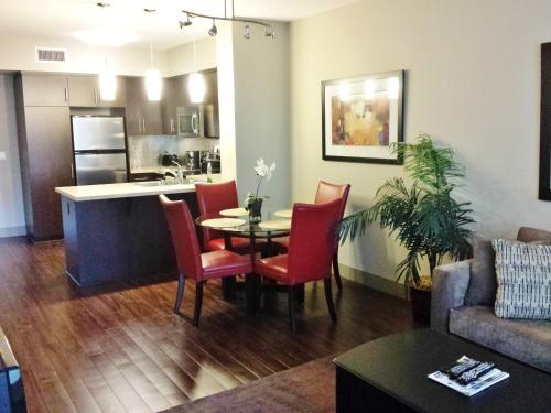 Hollywood Extended Stay - Los Angeles, CA 90028