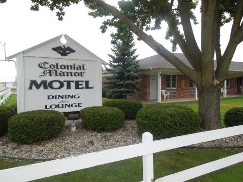 Colonial Manor Motel Photo