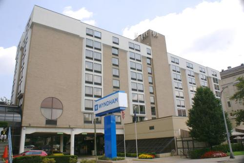 Wyndham Pittsburgh University Center Photo