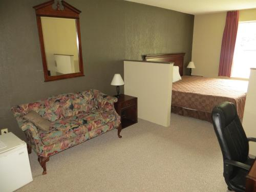 Americourt Hotel and Suites - Elizabethton Photo
