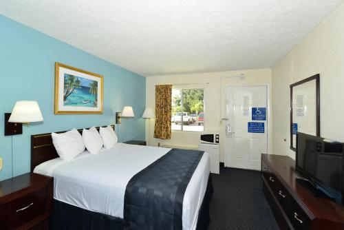 Americas Best Value Inn - Bradenton Photo