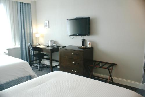 Wyndham Garden Long Island City / Manhattan View Hotel Photo