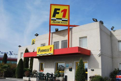 Formule 1 torrefarrera hotel torrefarrera low rates no for Booking formule 1 hotel