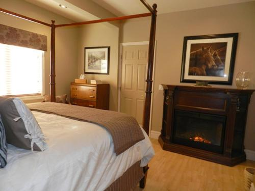 The Stone Gate Inn Bed & Breakfast Photo