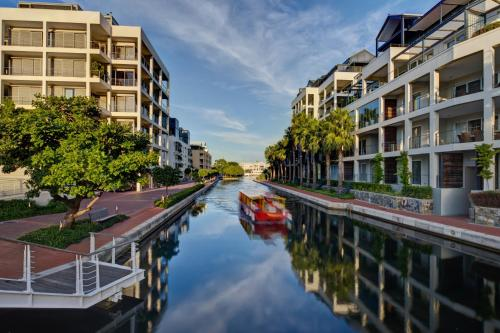 V&A Marina - Waterfront Apartments Photo