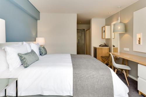 Protea Hotel by Marriott Cape Town Sea Point Photo