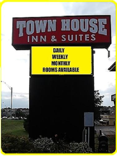 Townhouse Inn & Suites Omaha