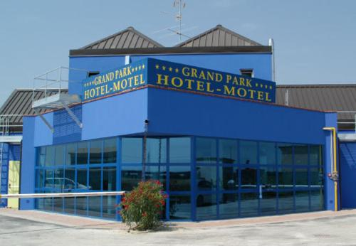 Picture of Grand Park Hotel Motel