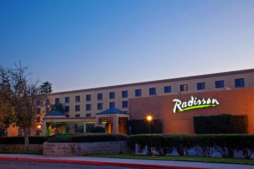 Radisson Hotel Santa Maria Photo