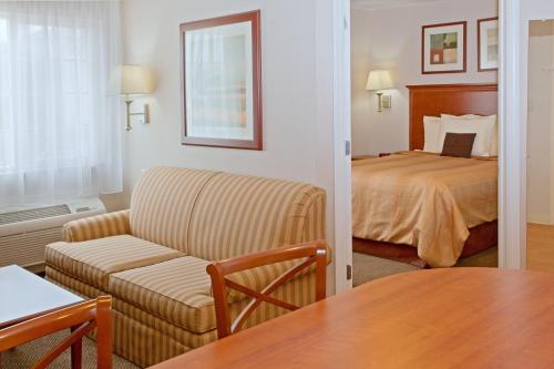 Candlewood Suites Houston Medical Center Photo