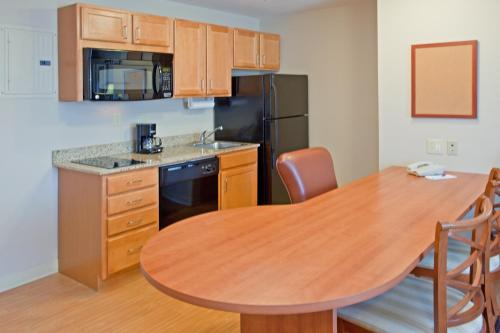 Candlewood Suites Houston Medical Center photo 15