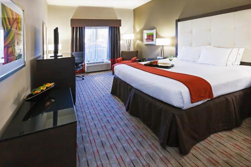 Holiday Inn Express Frisco Photo