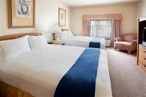 Holiday Inn Express Hotel & Suites Mission-McAllen Area Photo
