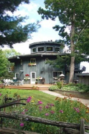Stouffermill Bed & Breakfast Photo