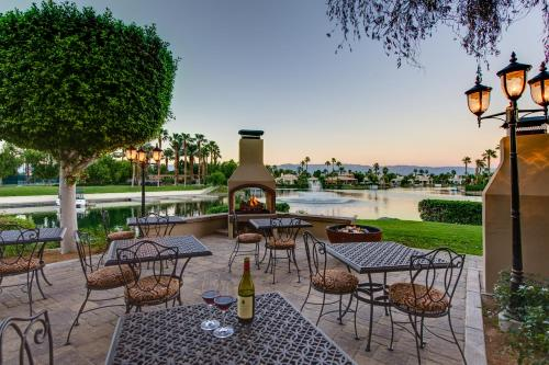 The Chateau at Lake La Quinta Photo