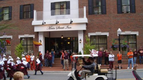 Main Street Inn Blacksburg Photo