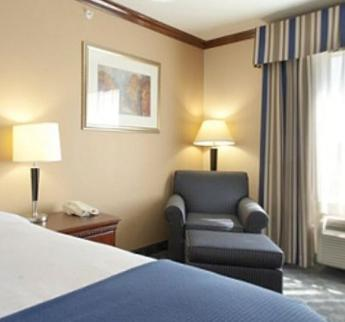 Holiday Inn Express Hotel and Suites Falfurrias Photo