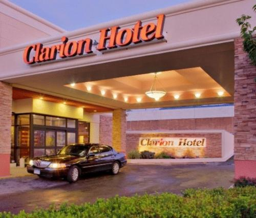 Clarion Hotel at LaGuardia