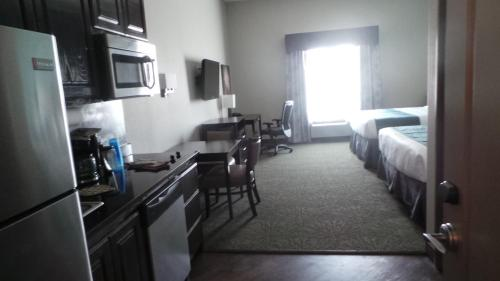 Oakwood Suites Photo