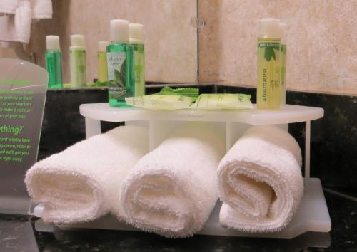 Holiday Inn Express Hotel and Suites - Odessa Photo