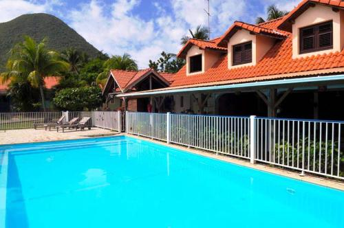Find cheap Hotels in Martinique (France)