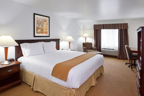 Holiday Inn Express Newell Chester Photo