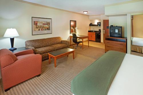 Holiday Inn Express Hotel & Suites Irving DFW Airport North Photo