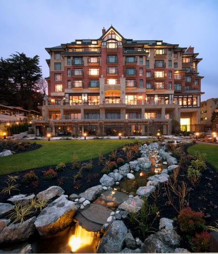 Oak Bay Beach Hotel - 12 of 41