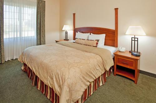 Staybridge Suites O'Fallon Chesterfield Photo