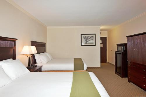 Holiday Inn Express Lompoc Photo