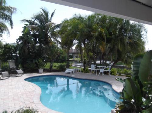 Angel's Vacation Rentals - Longboat Key