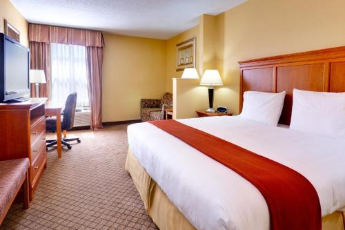 Holiday Inn Express Hurricane Mills Waverly Photo