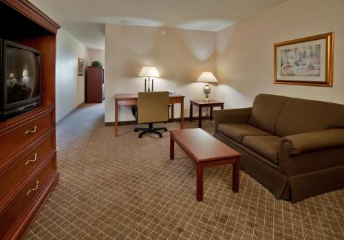 Holiday Inn Express Hotel & Suites Beatrice Photo