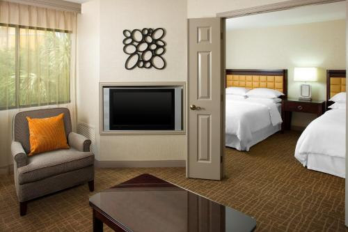 Sheraton Suites Orlando Airport Hotel photo 8