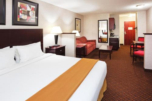 Holiday Inn Express Carrollton Photo