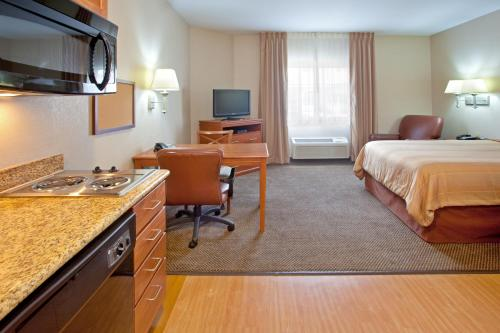 Candlewood Suites Merrillville Photo