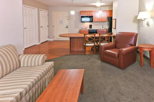 Candlewood Suites Bartlesville East Photo