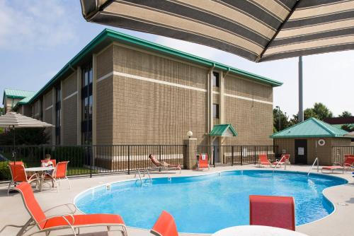 Best Western Plus Cedar Bluff Inn Photo