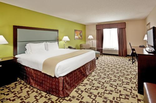 Holiday Inn Express Troutville-Roanoke North Photo